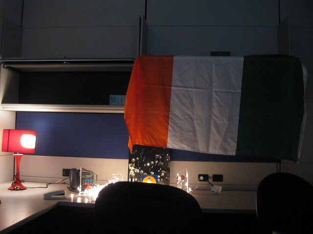 Tricolour_in_the_office