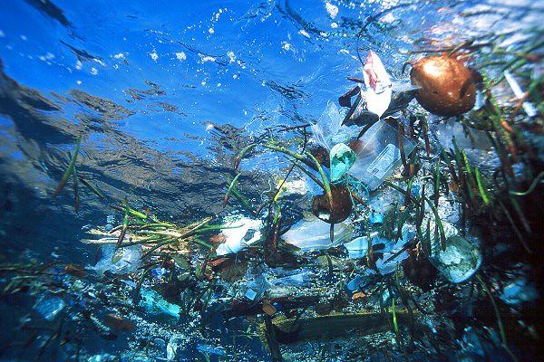 006020plastic_ocean_trash