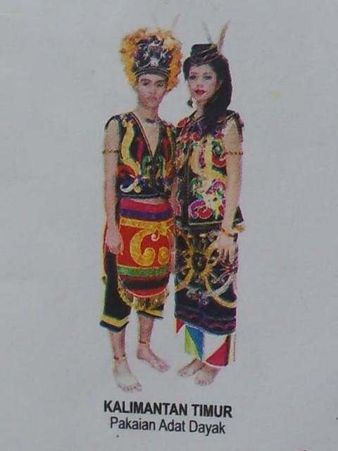 Pakaian Adat Dari Kalimantan Timur - Baju Adat Tradisional