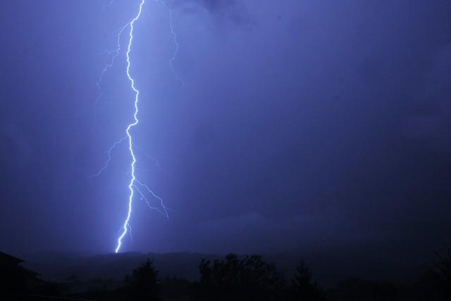 Lightning strike VLB 4
