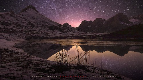 La Montaña Central Leonesa - La noche en el embalse de Casares. Frío y silencio. // The Central Mountain Leonesa - The night in the reservoir of Casares. Cold and silent