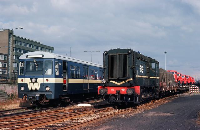 NS en RET materieel op emplacement Feijenoord, 1976.