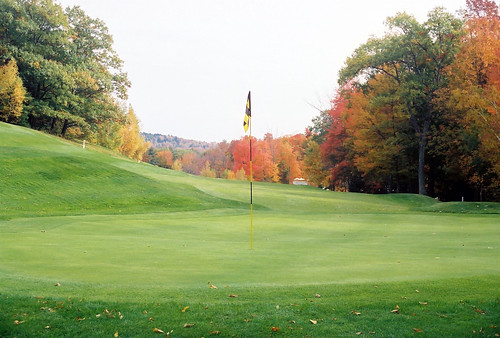travel autumn golf hotel fallcolors resort greens golfcourse golfvacation shellvacationshospitality crotchedmountainresort