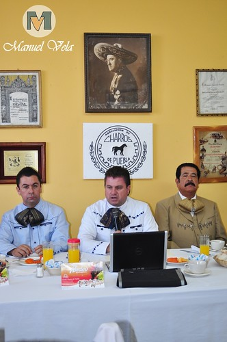 DSC_0077 Conferencia de Prensa Asociación de Charros de Puebla A.C.D invitan al *Rodeo Lienzo Charro* por LAE Manuel Vela