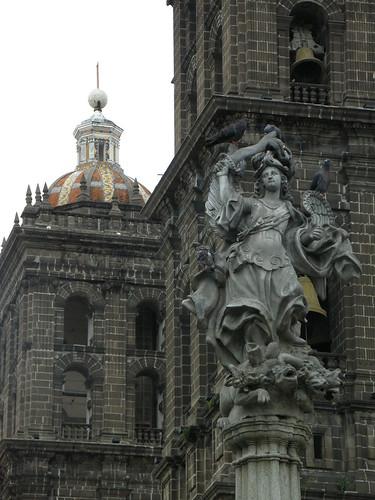 P8180254 Iglesia de Santo Domingo-Capilla del Rosario Puebla.,Puebla. Mexico por LAE Manuel Vela