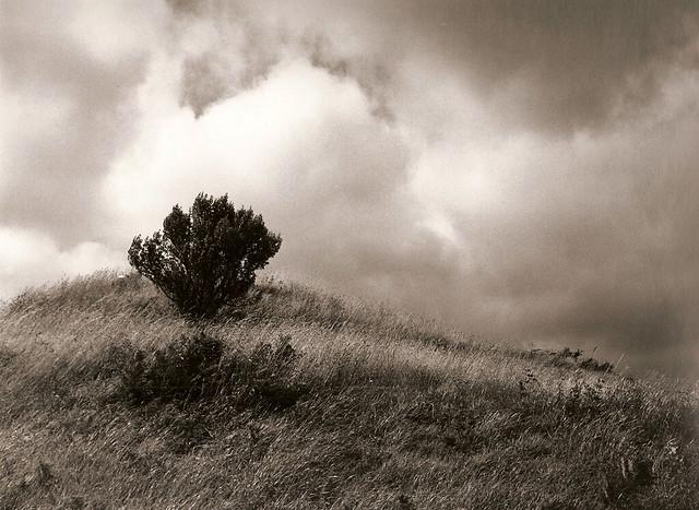 Nubes de tormenta (papel)