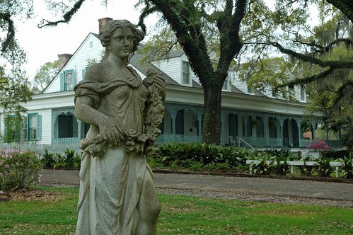 louisiana myrtles plantation westfelicianaparish nationalregisterofhistoricplaces 78001439 1797 antebellum bedandbreakfast generaldavidbradford haunted statue