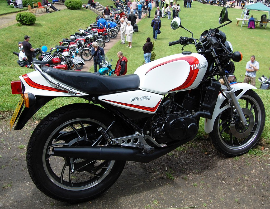 YAMAHA RD 350  WATER COOLED TWO STROKE  | Race developed mac