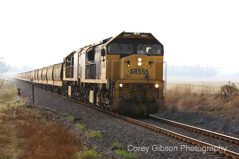 XR555 heads towards Vite Vite with a load of Grain by Corey Gibson