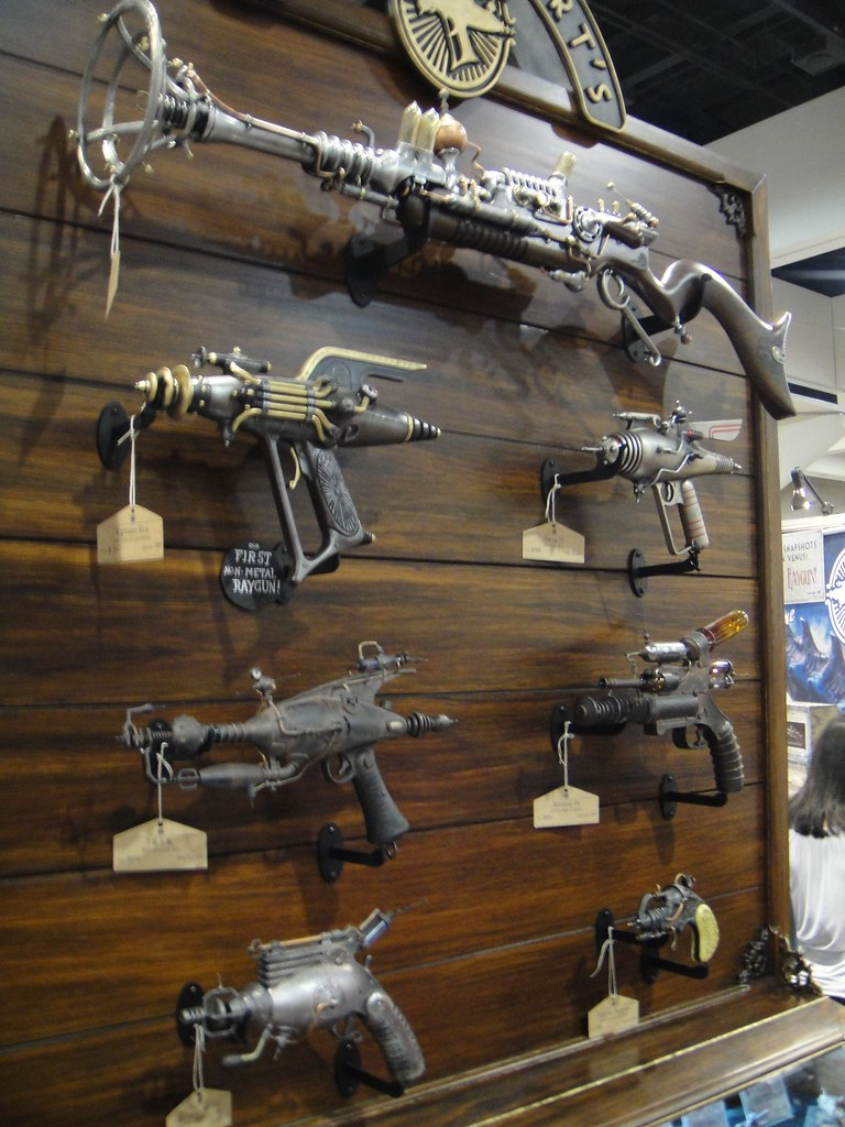 Steampunk weapons at the Weta booth