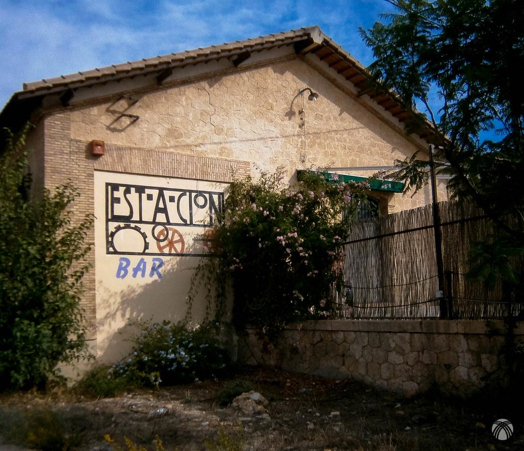 Estación de la Ribera de Molina acondicionada como bar