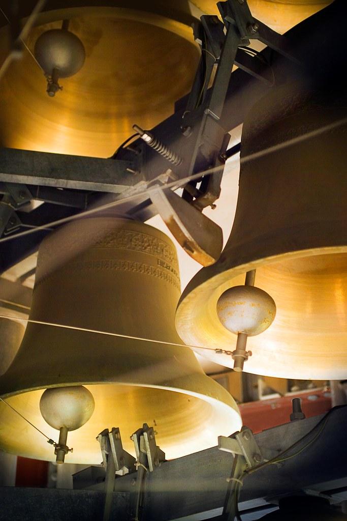 Williams Tower Carillon Bells | DU's carillon, located in ...