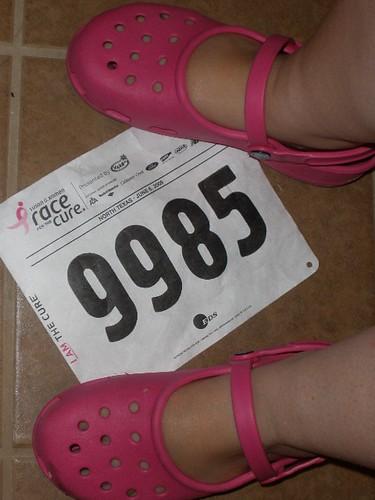 I <3 my pink Crocs!