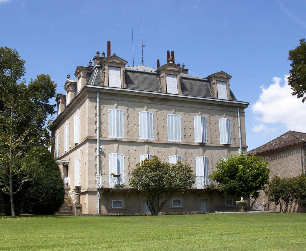 French country house Varen | This house matches my idea of t