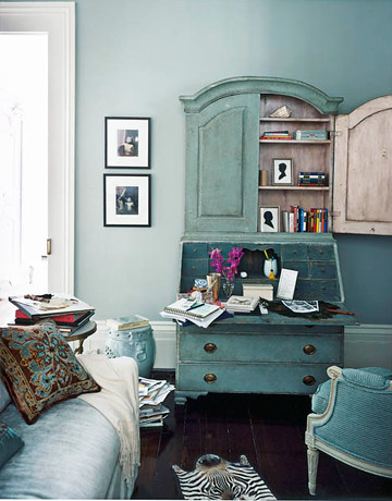 Blue living room: Martha Stewart \'Grisaille\' + painted ant ...