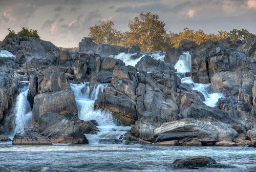 trees naturaleza nature water rio river landscape virginia agua rocks greatfalls rapids foam dcist potomac hdr rocas ispy rushingwater cascadas