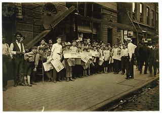Lewis Hine: Newsboys with base-ball extra, Cincinnati, Ohio, 1908