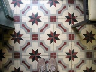 chão | by Rosa Pomar