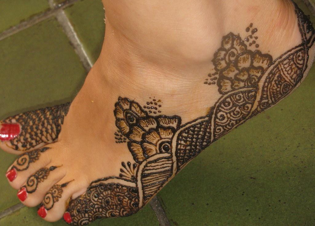 Asha Savla Henna Design on Foot/Leg/Toes