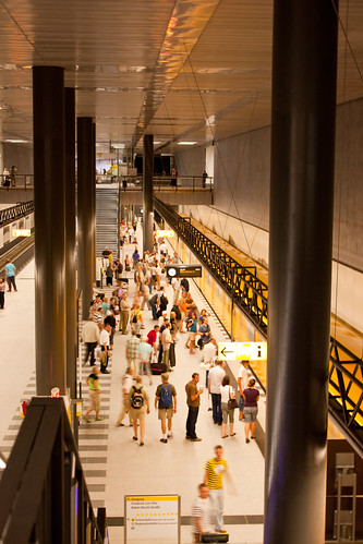 Hauptbahnhof U55 | by bεn