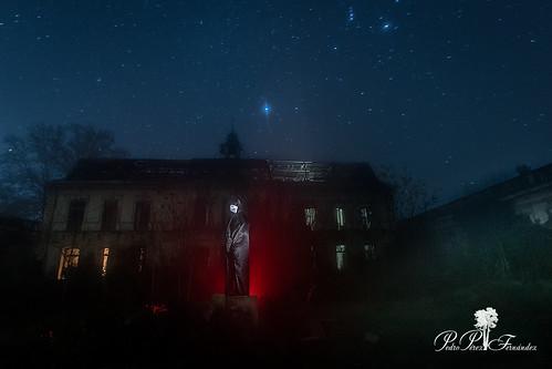 fotografiandolanoche lightpainting night palacetedelosgosálvez road to perdition landscape fist hallowen character of light