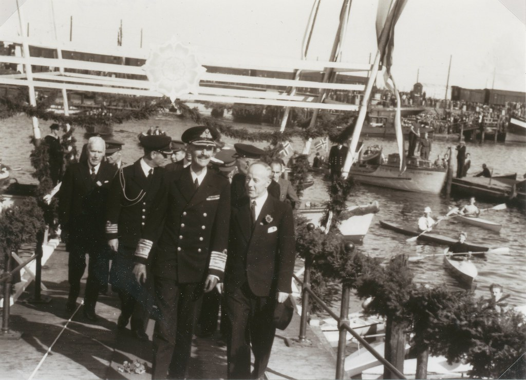 Kongebesøk 1945 / King Haakon visits Trondheim in August 1945