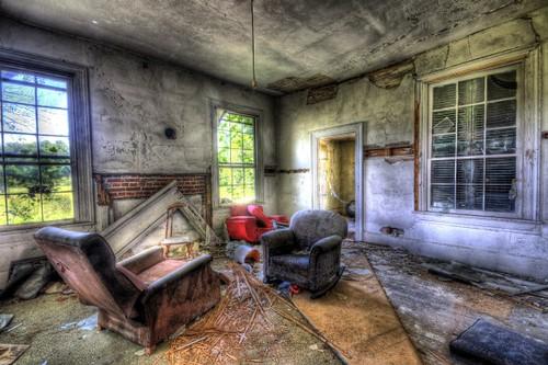 abandoned farmhouse virginia nikon sigma haunted derelict chesapeake hdr sigma1020mm d90 woodfarmhouse