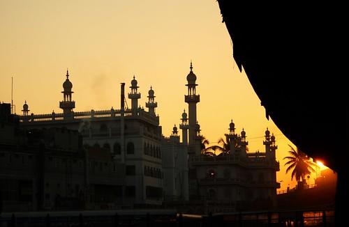bridge sun india man sunrise canon haze bangalore mosque jungle dslr citymarket indianphotography krmarket canon1000d canon1000ddslr