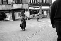 girls dancing in Utrecht