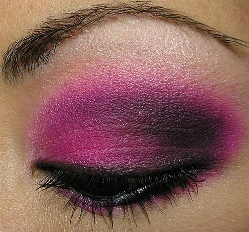 MUFE Pink & Black Tied Smoky Eye Closeup