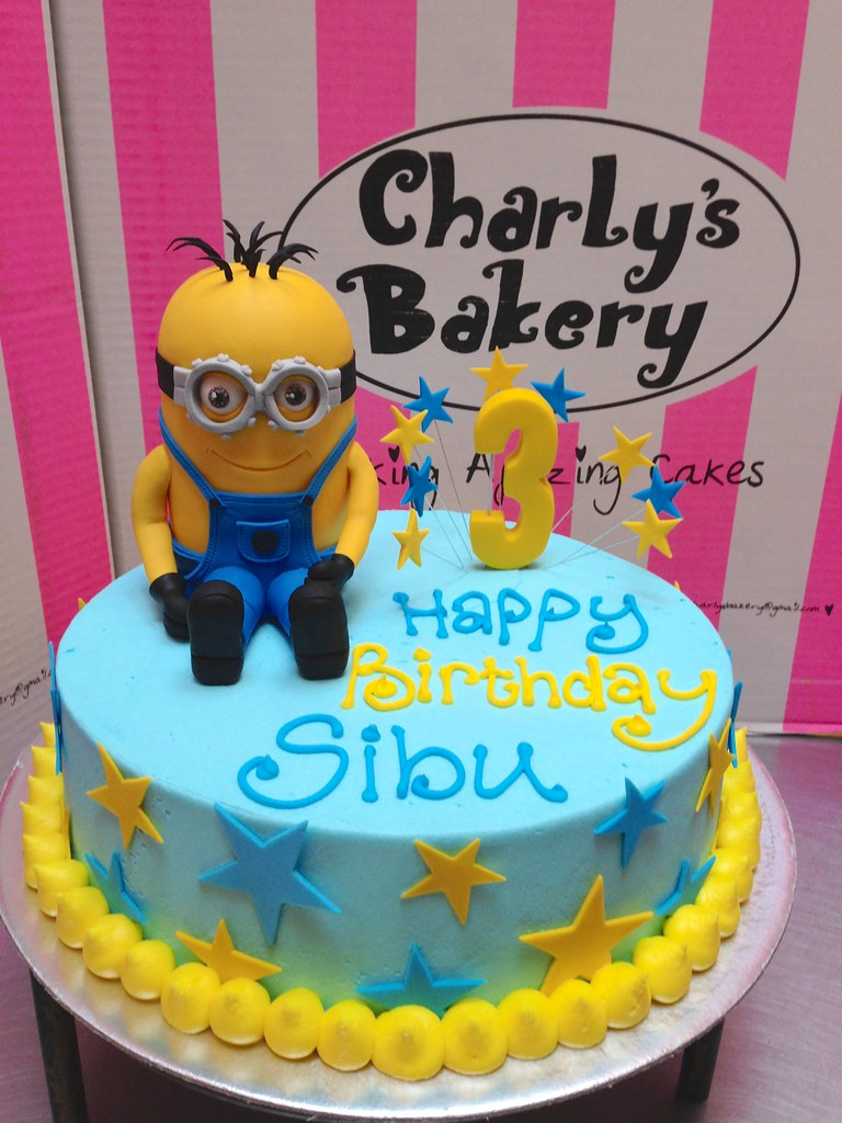 Fabulous Round Birthday Cake Decorated With 3D Minion Figurine Flickr Funny Birthday Cards Online Barepcheapnameinfo