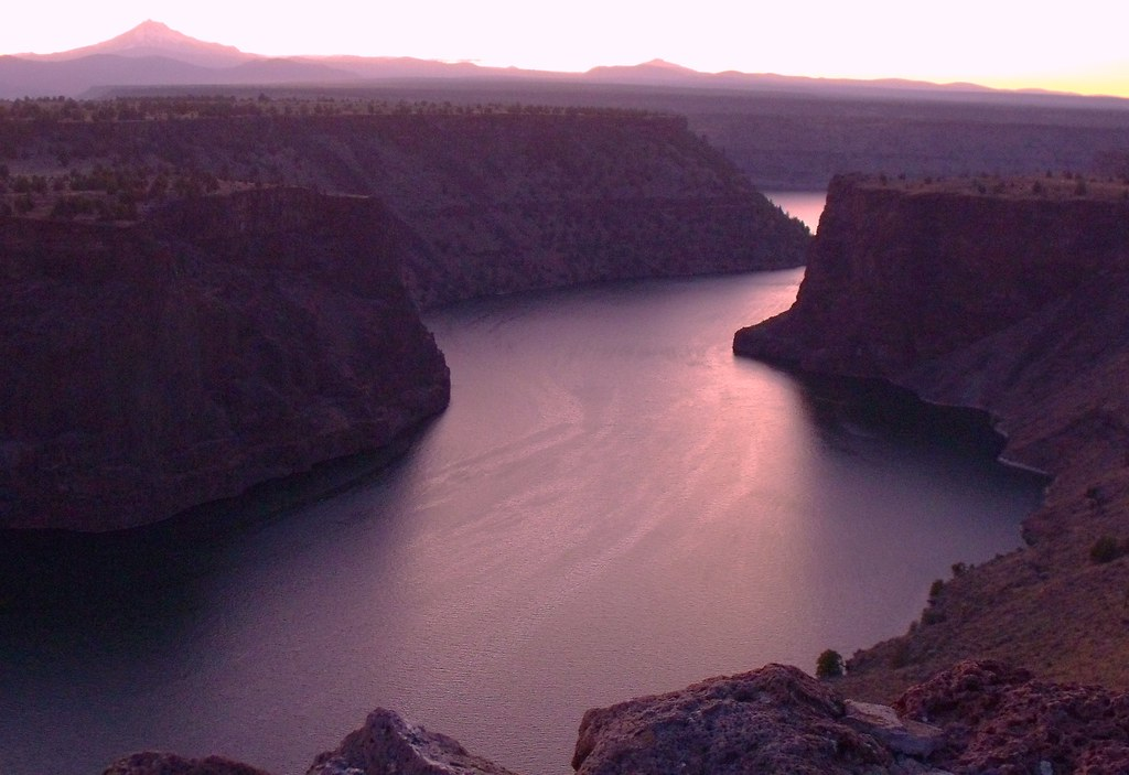 Lake Billy Chinook - The Cove Palisades State Park - Crooked