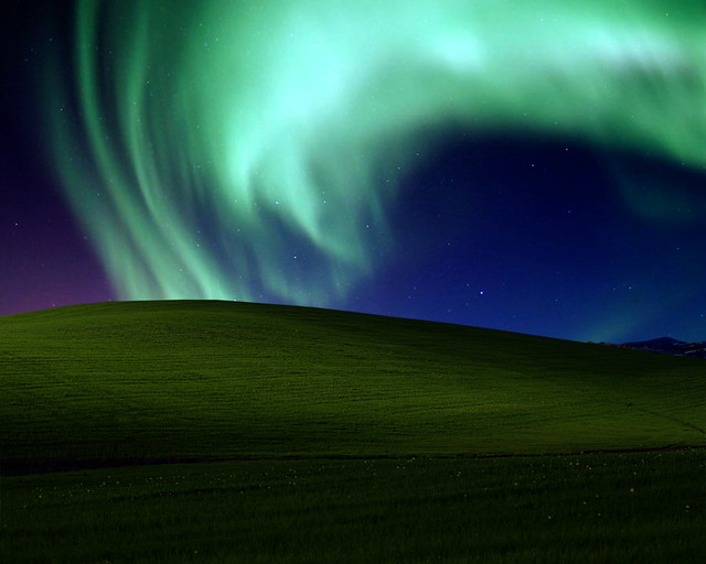 Bliss By The Borealis Windows Xp Wallpaper By Night Flickr