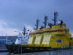 3 big yellow ships