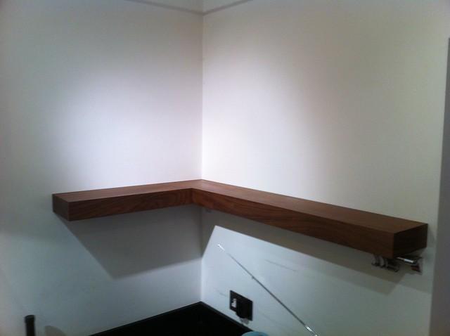 Free floating kitchen shelves L - shabed