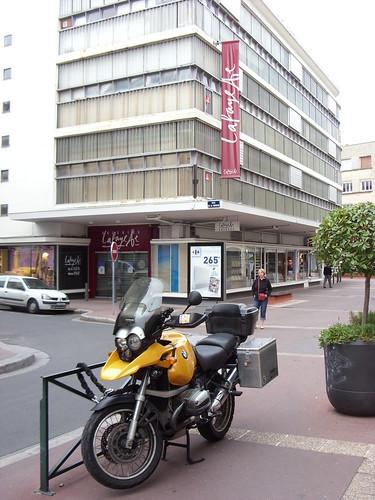 GS parked in Caen