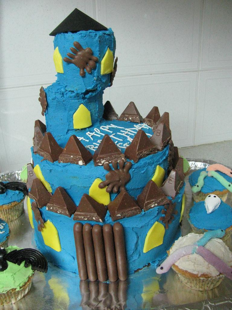 Fabulous Haunted House Birthday Cake Lisa Isaacs Flickr Funny Birthday Cards Online Inifofree Goldxyz