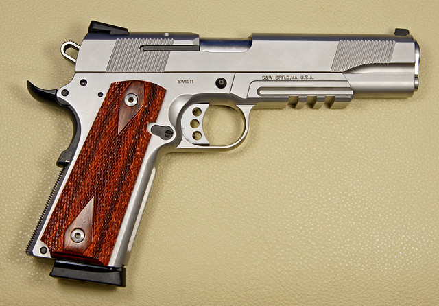Smith & Wesson 1911 45 cal ACP