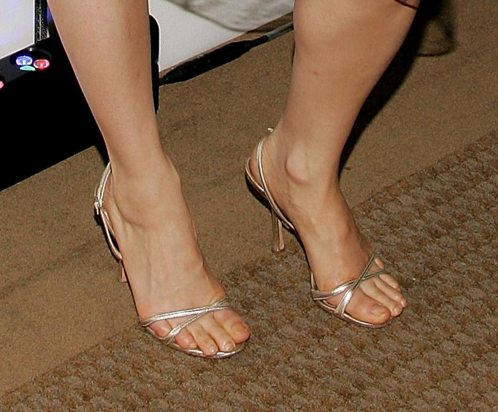 Lucy Liu feet (42)   ♠I Love Feet & Shoes♠   Flickr