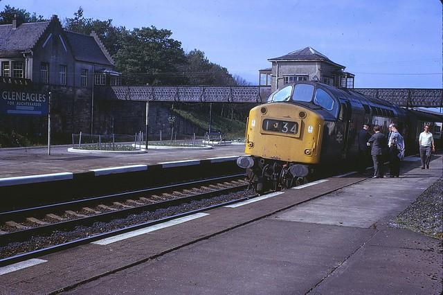 [245] Gleneagles Station