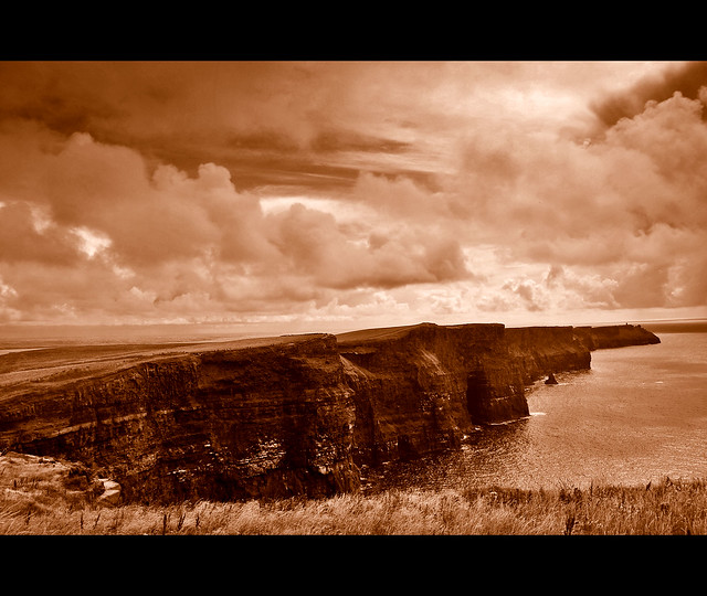 The Cliffs of Moher (5). Ireland.-