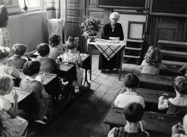 Schoolklas begin jaren '50 / Dutch classroom around 1950