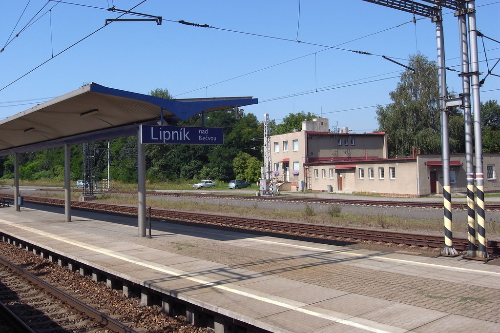 Lipník nad Bečvou, railway station