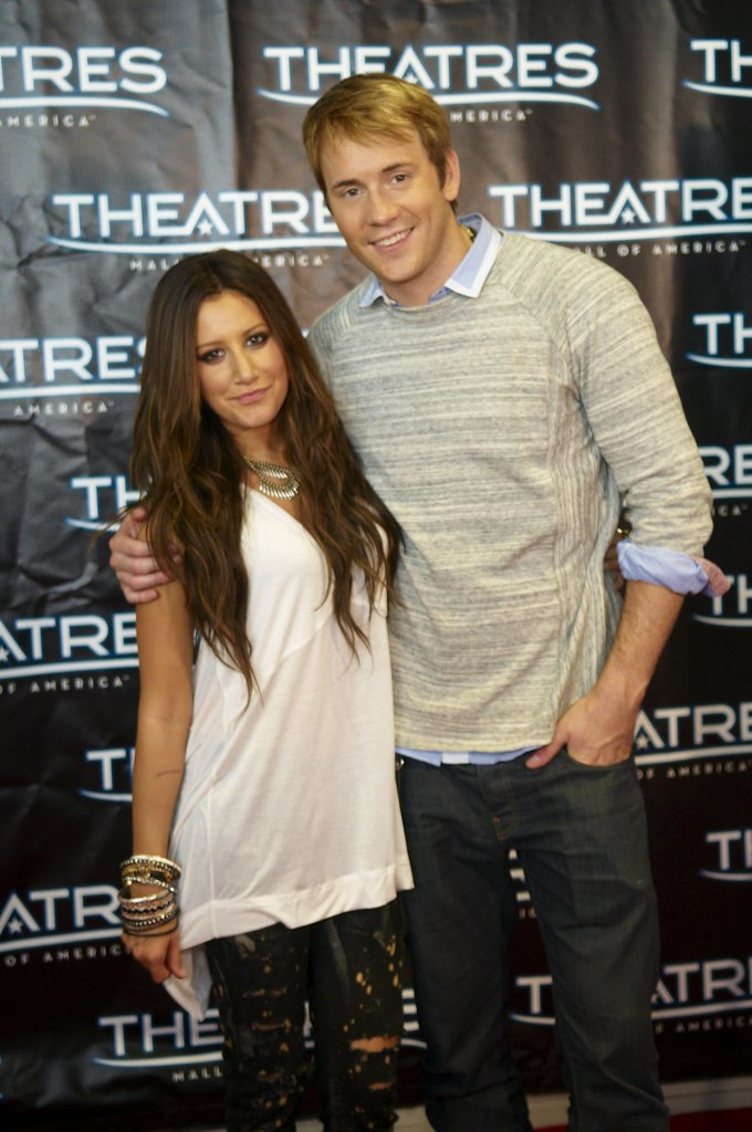 Ashley Tisdale And Robert Hoffman Aliens In The Attic