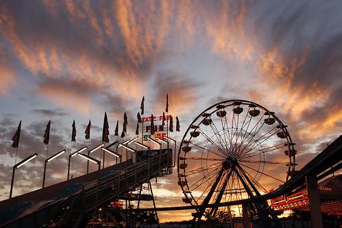 california ca carnival sunset sky silhouette clouds statefair ferriswheel sacramento midway 2009 californiastatefair 2fb001 iconicsacto