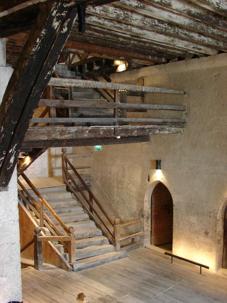 Le premier étage de la tour