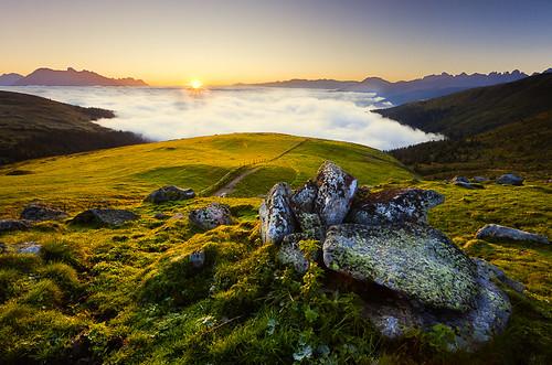 morning panorama sunrise landscape tirol österreich silence alm landschaft alp morgen tyrol seaofclouds stille sunstar inntal austira ruhe wolkenmeer canon17404l sonnenstern canon5dmkii krimpenbachalm