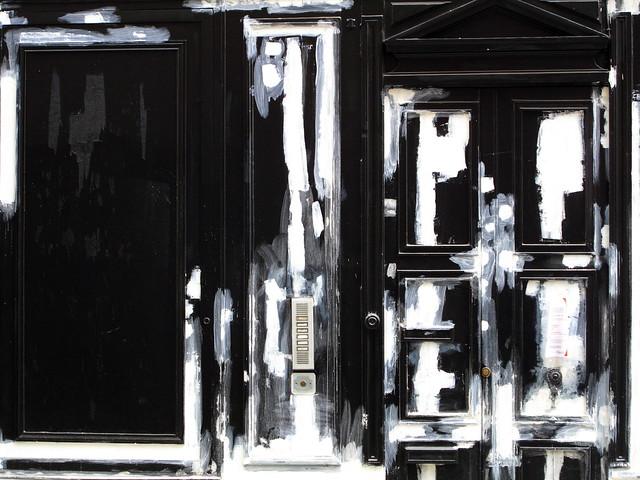 Tableau abstrait... ou porte cochère ?