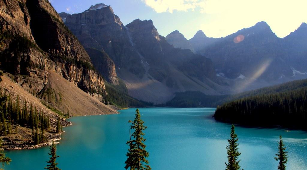 Moraine Lake y valle de los diez picos