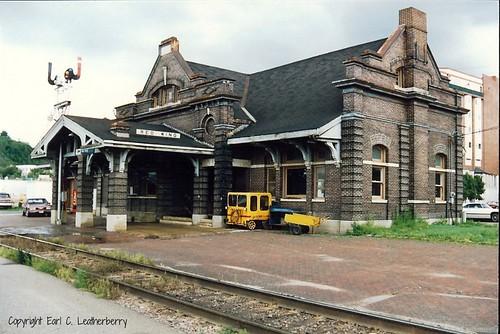 railroad station minnesota depot 1905 goodhuecounty milwaukeeroad neoclassicalstyle chicagomilwaukeestpaulpacificrr jmnettenstrom